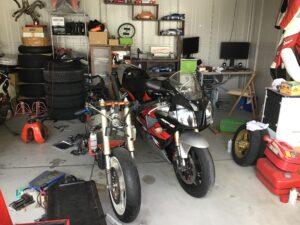 バイクガレージ1